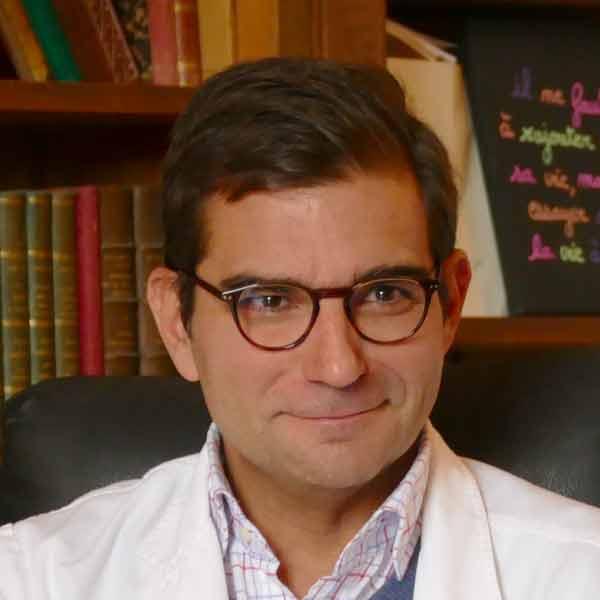 Le Docteur J. Coullaut consulte en psychiatrie